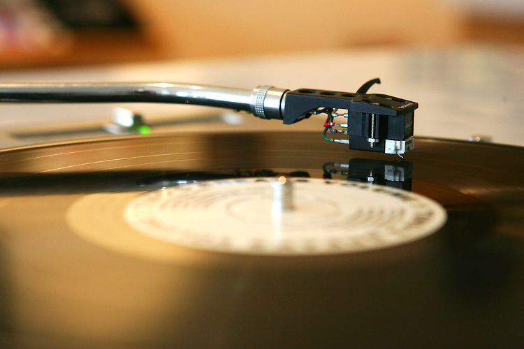 February 19, 2008; Santa Cruz, CA, USA; A detailed view of a needle playing a vinyl record on a turntable in Santa Cruz, CA. Photo by: Phillip Carter
