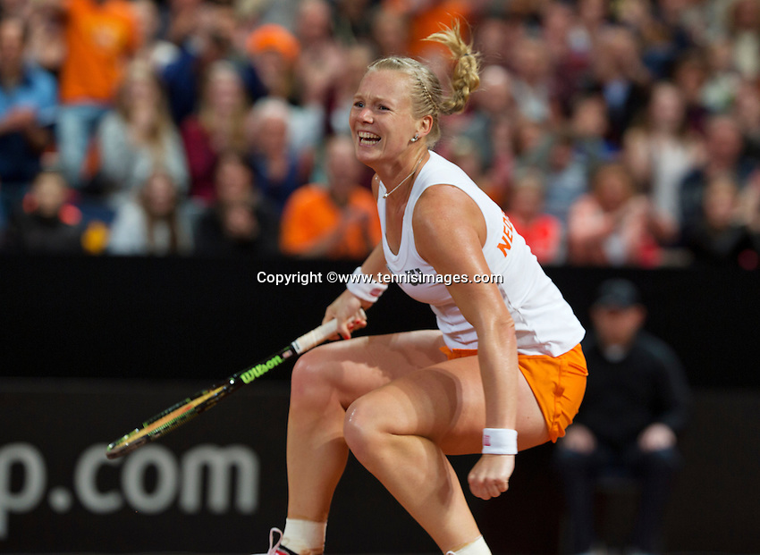 Februari 08, 2015, Apeldoorn, Omnisport, Fed Cup, Netherlands-Slovakia, Kiki Bertens (NED) celebrates, she puts the Netherlands in the lead 2-1<br /> Photo: Tennisimages/Henk Koster
