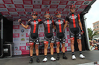 TUNJA - COLOMBIA- 21- 02-2016: Equipo GW Shimano conformado por Walter Pedraza, Frank Yair Osorio, Oscar Mauricio Pachon, Arley Montoya, Didier Alexander Sastoque y Jorge Camilo Castiblanco durante su presentación previo a la prueba ruta individual categoría elite hombres entre las ciudades de Sogamoso y Tunja en una distancia 174,6 km kilometros de Los Campeonato Nacionales de Ciclismo 2016, que se realizan en Boyaca. / GW Shimano team formed by Walter Pedraza, Frank Yair Osorio, Oscar Mauricio Pachon, Arley Montoya, Didier Alexander Sastoque and Jorge Camilo Castiblanco during their presentation prior the Elite test individual route men between the towns of Sogamoso and Tunja at a distance of 174,6 km of the National Cycling Championships 2016 performed in Boyaca. / Photo: VizzorImage / Cesar Melgarejo / Cont.