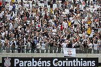SAO PAULO, SP, 10.05.2014 - JOGO TESTE CORINTHIANS - Torcedores na Arena Corinthians para jogo teste-festivo na regiao leste de Sao Paulo neste sabado, 10. (Foto: William Volcov / Brazil Photo Press).
