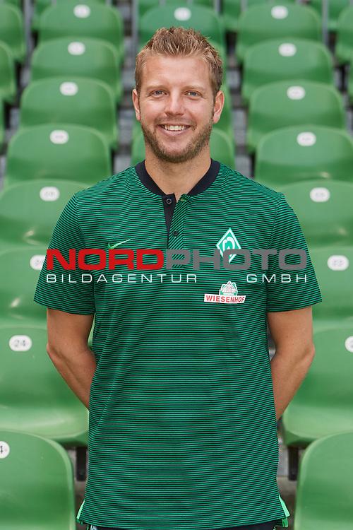 Fu&szlig;ball, GER, /3.Liga, Portr&auml;ttermin 2017/2018,<br /> <br /> Florian Kohfeldt (Trainer SV Werder Bremen II)<br /> <br /> Foto &copy; nordphoto / Kokenge