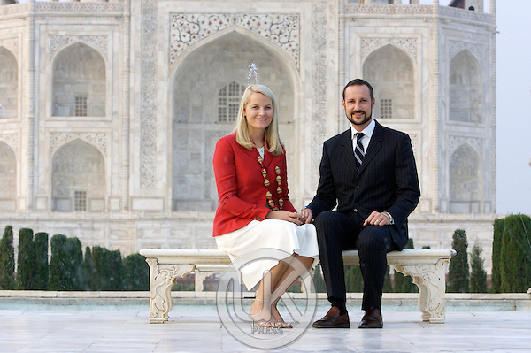 Crown Prince Haakon & Crown Princess Mette-Marit of Norway visit India.Visit to the Taj Mahal in Agra.