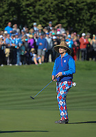 160213 Fan favorite Bill Murray entertains his loyal followers during Saturday's Third Round of The AT&T Pebble Beach National Pro-Am in Carmel. California. (photo credit : kenneth e. dennis/kendennisphoto.com)