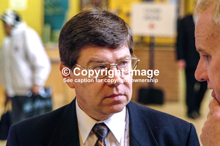 David Carroll, of David Carroll Photography, London,  Labour Party photographer Ref: 2000100480..Copyright Image from Victor Patterson, 54 Dorchester Park, Belfast, UK, BT9 6RJ..Tel: +44 28 9066 1296.Mob: +44 7802 353836.Voicemail +44 20 8816 7153.Skype: victorpattersonbelfast.Email: victorpatterson@mac.com.Email: victorpatterson@ireland.com (back-up)..IMPORTANT: If you wish to use this image or any other of my images please go to www.victorpatterson.com and click on the Terms & Conditions. Then contact me by email or phone with the reference number(s) of the image(s) concerned.