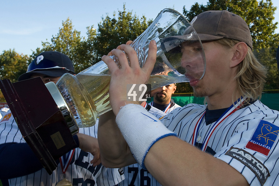 19 Oct 2008: Luc Piquet celebrates drinking champagne after game 5 of the french championship finals between Templiers (Senart) and Huskies (Rouen) in Chartres, France. The Huskies win 3-2 over the Templiers. Rouen win the series 3-2 to capture their fith title and fourth in a row.