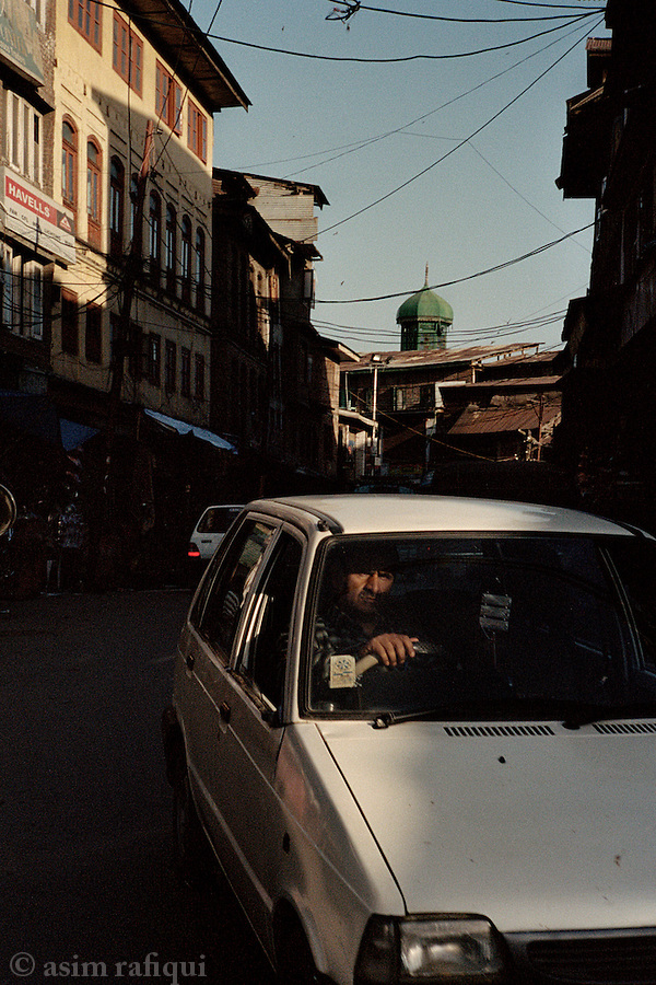 Street scene, downtown Srinagar