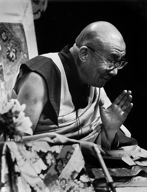 His Holiness THE 14TH DALAI LAMA of TIBET gives BUDDHIST TEACHINGS in Los Angeles California in 2000