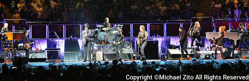 10-30-07 Bruce Springsteen & the E Street Band  perform at the Los Angeles Sports Arena