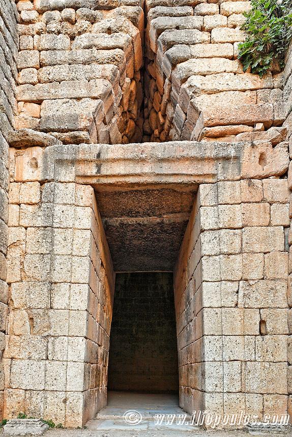 Treasure of Atreus (1.250 B.C.) Mycenae, Greece