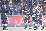 Torjubel nach dem 1:0 von v.l. Mannheims Joonas Lehtivuori (Nr.6), der Torschuetze Mannheims Garrett Festerling (Nr.14), Mannheims Moritz Seider (Nr.53) und Mannheims Chad Kolarik (Nr.42)  beim Spiel in der DEL, Adler Mannheim (blau) - EHC Red Bull Muenchen (weiss).<br /> <br /> Foto &copy; PIX-Sportfotos *** Foto ist honorarpflichtig! *** Auf Anfrage in hoeherer Qualitaet/Aufloesung. Belegexemplar erbeten. Veroeffentlichung ausschliesslich fuer journalistisch-publizistische Zwecke. For editorial use only.