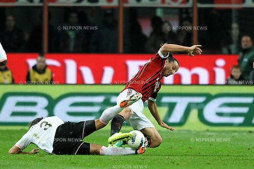 "(R-L) Zlatan Ibrahimovic (Milan), Matias Silvestre (Palermo),..OCTOBER 15, 2011 - Football / Soccer :..Italian ""Serie A"" match between AC Milan 3-0 Palermo at Giuseppe Meazza Stadium in Milan, Italy. (Photo by aicfoto/AFLO) [0855]"