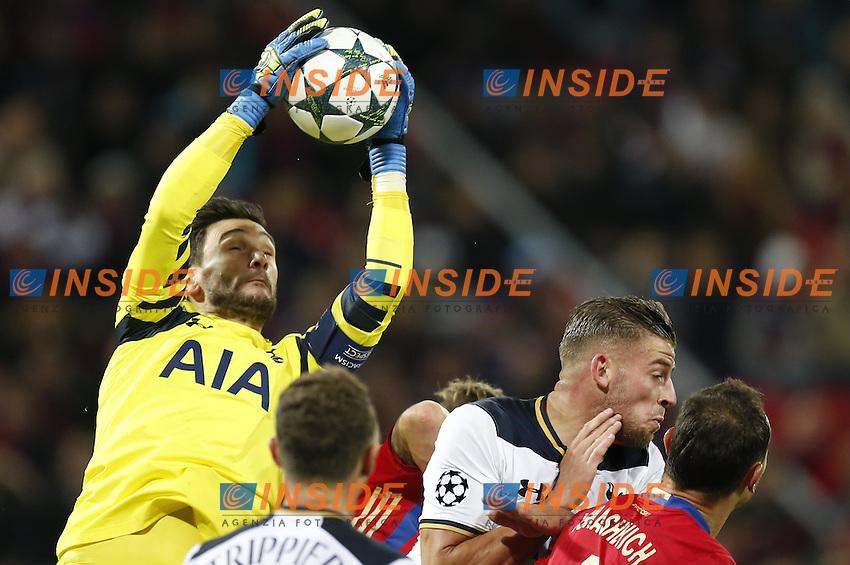 Tottenham Hotspur's goalkeeper Hugo Lloris (L)<br /> Mosca 28-09-2016 <br /> CSKA - Tottenham Hotspurs<br /> Foto ITAR TASS / Panoramic / Insidefoto <br /> ITALY ONLY