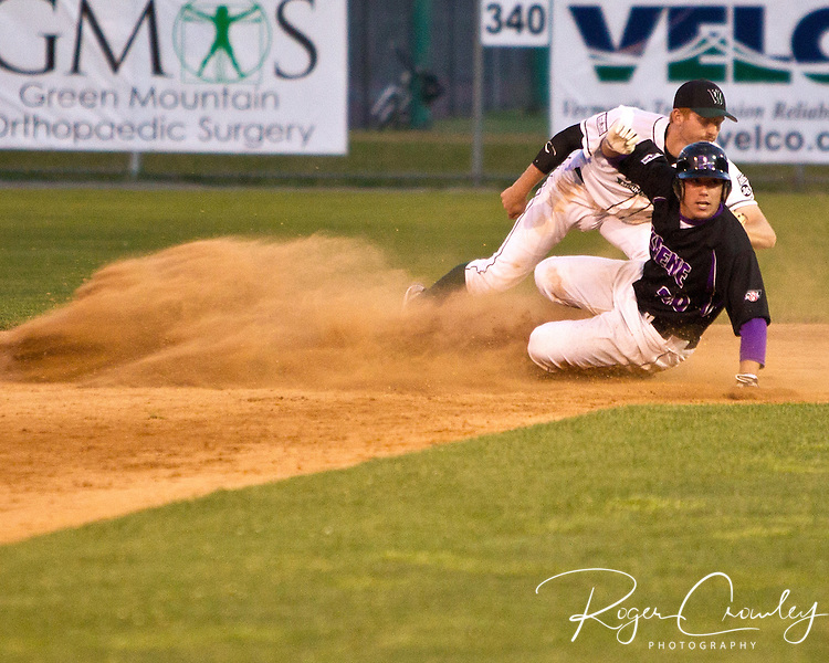 The Vermont Mountaineers had the tying and winning runs on base with one out in the bottom of the ninth but couldn't find a way to score against Kyle Gehrs as the Keene Swamp Bats took a 3-2 victory at Montpelier Recreation Field on Saturday night in New England Collegiate Baseball League (NECBL) action.