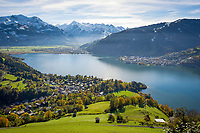 Oesterreich, Salzburger Land, Pinzgau: Zell, Schuettdorf und Thumersbach am Zeller See vor Glocknergruppe mit Kitzsteinhorn (3.203 m) | Austria, Salzburger Land, Pinzgau region: Zell, Schuettdorf and Thumersbach at Zeller Lake, at background Glockner Group with Kitzsteinhorn Mountain (3.203 m)