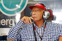 SUZUKA, JAPAO, 12.10.2013 - F1 - GP DO JAPAO - TREINO LIVRE - O ex piloto Niki Lauda e visto durante treino classificatorio para o Grande Premio do Japao em Suzuka no Japao neste sabado, 12. (Foto: Pixathlon / Brazil Photo Press).