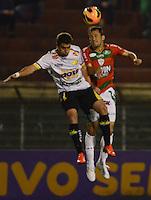 SAO PAULO SP, 31 Julho 2013 - PORTUGUESA  X CRICIUMA - Dividida  durante partida  da Portuguesa contra o Criciuma valida pelo campeonato brasileiro de 2013  no Estadio do Caninde em  Sao Paulo, nesta quarta, 31. (FOTO: ALAN MORICI / BRAZIL PHOTO PRESS).