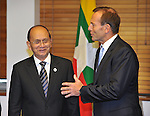 AUSTRALIA, Canberra : U Thein Sein President of Myanmar (L) meets Australian Opposition Leader Tony Abbott (R) at Parliament House, Canberra on March 18, 2013. AFP PHOTO / Mark GRAHAM (POOL)