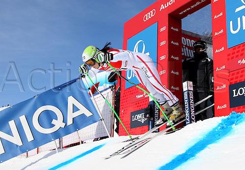 13.01.2013. St Anton, Austria.  Ski Alpine FIS World Cup Super G for women Picture shows Anna Fenninger AUT at the Start building