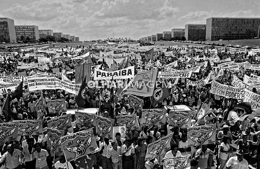 Manifestaçao de trabalhadores rurais pela reforma agraria. Brasilia. Distrito Federal. 2002. Foto de Joao Roberto Ripper.