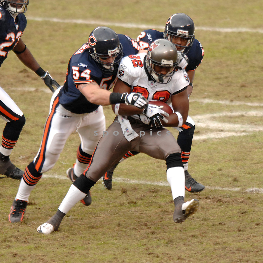 PARIS WARREN, of the Tampa Bay Buccaneers, during their game  against the Chicago on December 17, 2006 in Chicago, IL...Bears wins 34-31...DAVID DUROCHIK / SPORTPICS