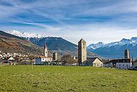 """Italy, South-Tyrol (Alto Adige - Trentino), Vinschgau (Val Venosta), Malles Venosta: with churches St. Benedict, parish church Mary Assumption, tower of the old St. John's Church, the tower Froehlichsturm   Italien, Suedtirol, Vinschgau, Mals: mit der  St.-Benedikt-Kirche, der Pfarrkirche """"Maria Himmelfahrt"""", der Kirche St. Johann und dem Froehlichsturm"""