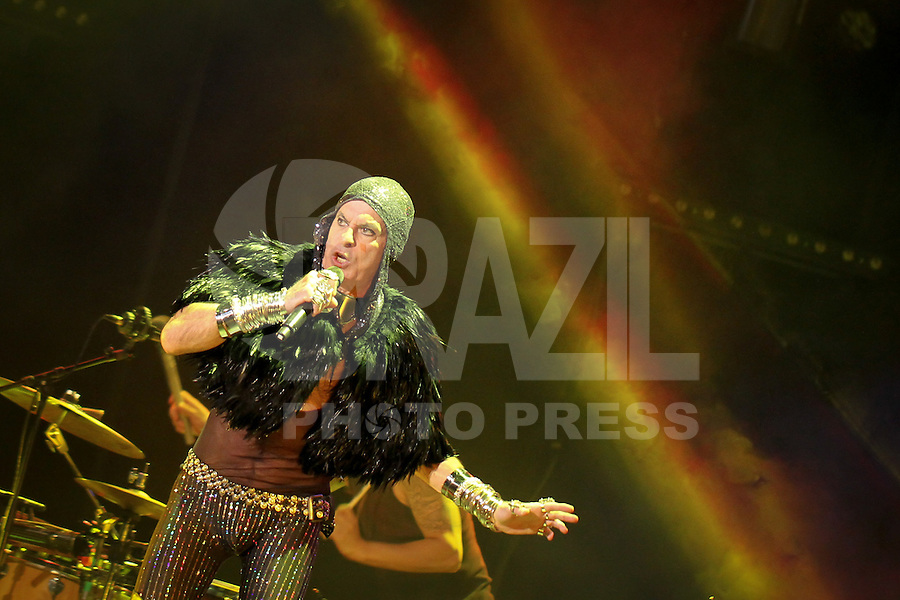Portugal, Porto, 10/05/2014 - Show do artista Ney Matogrosso no Coliseu do Porto. (Foto: Pedro Lopes/Brazil Photo Press)