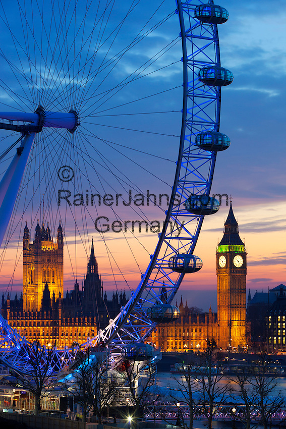 Great Britain, England, London: The London Eye with the River Thames and Houses of Parliament at dusk | Grossbritannien, England, London: The London Eye an der Themse und den Houses of Parliament zur Abenddaemmerung