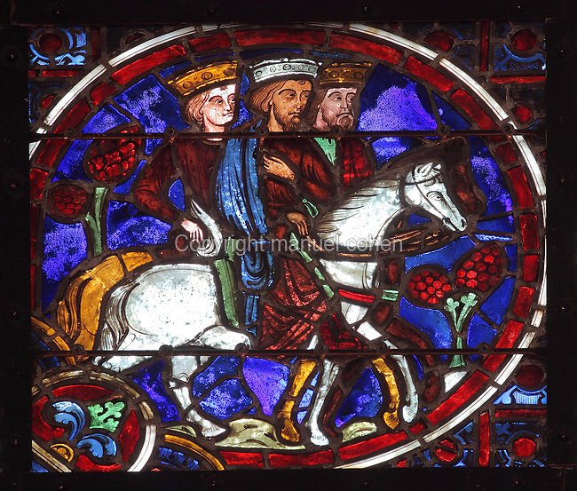 Kings on horseback, early 12th century, lancet stained glass window from the apse of Laon Cathedral or the Cathedrale Notre-Dame de Laon, built 12th and 13th centuries in Gothic style, in Laon, Aisne, Picardy, France. The cathedral is listed as a historic monument. Picture by Manuel Cohen