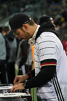 DJ Teddy o legt bei der Nationalmannschaft beim Aufwärmen auf - 16.11.2019: Deutschland vs. Weißrussland, Borussia Park Mönchengladbach, EM-Qualifikation DISCLAIMER: DFB regulations prohibit any use of photographs as image sequences and/or quasi-video.
