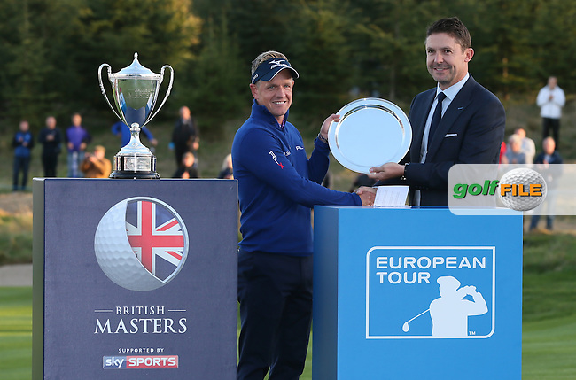 Luke Donald (ENG) receives a silver salver from Sky boss Barney Francis for hosting the British Masters 2016, played at The Grove, Chandler's Cross, Hertfordshire, England. 16/10/2016. Picture: David Lloyd | Golffile.