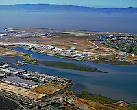 aerial photograph Oakland International airport, Arrowhead marsh, San Leandro bay
