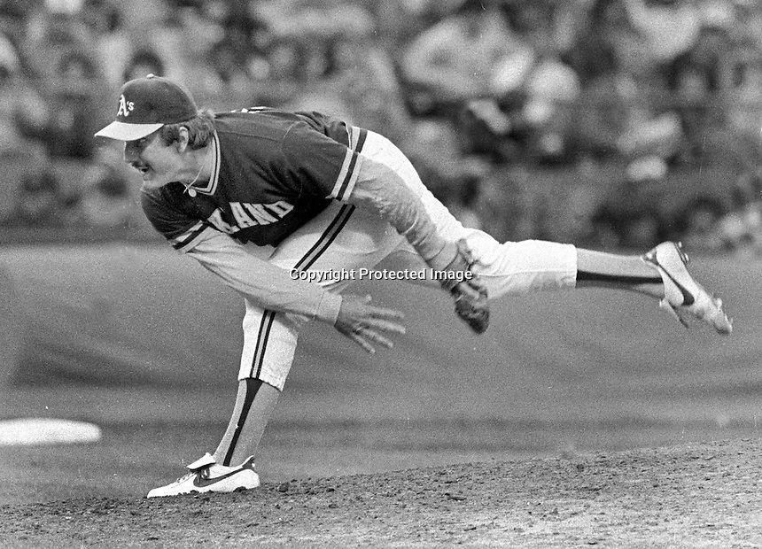 Oakland Athletics pitcher Bill Caudill pitching in the 1984 All-Star game in San Francisco. (photo/Ron Riesterer)