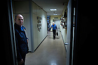 Reggio di Calabria, Calabria, 04.12.2014. Nicola Gratteri er statsadvokat i Reggio di Calabria, og leder av Antimafiaprokuratet i Calabria (DDA). Han regnes som statens spydspiss mot Ndrangheta syndikatet. Hans liv er til en hver tid i overhengene fare, og han har siden april 1989 hatt en omfattende eskorte med hele 15 livvakter som tar seg av hans sikkerhet. Bilder til feature om båndene mellom Vatikanet, Ndrangheta og den italienske stat. Foto: Christopher Olssøn.