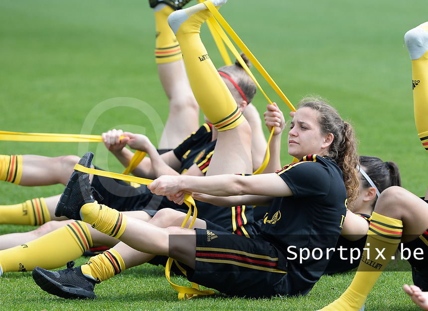 20180306 - LARNACA , CYPRUS :  Belgian Davina Philtjens pictured during a Matchday -1 training from The Belgian Red Flames prior to their game against South Africa , on tuesday 6 March 2018 at the Alpha Sports Grounds in Larnaca , Cyprus . This will be the final game for Belgium during the Cyprus Womens Cup for a battle for the 5th place , a prestigious women soccer tournament as a preparation on the World Cup 2019 qualification duels. PHOTO SPORTPIX.BE | DAVID CATRY