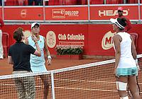 BOGOTA - COLOMBIA - 16-04-2016: Paula Goncalves de Brasil y Silvia Soler of Spain, durante partido por el Claro Colsanitas WTA, que se realiza en el Club El Rancho de Bogota. / Silvia Soler of Spain, and Paula Goncalves of Brazil, during a match for the WTA Claro Colsanitas, which takes place at Club El Rancho de Bogota. Photo: VizzorImage / Luis Ramirez / Staff.