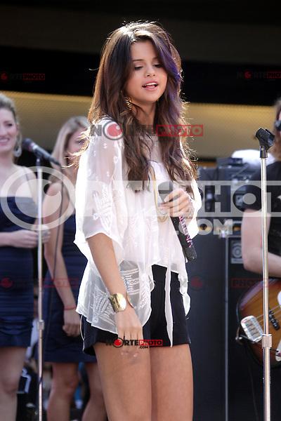 Selena Gomez at 'Experience Monte Carlo''  Selena Gomez en el Concierto de Santa Monica Place el *13*de*junio*2011**Santa*M&oacute;nica*California. <br /> (*credito*foro:&copy;MPI26/MediaPunchInc/NortePhoto.com*)<br /> ***SOLO*VENTA*EN*MEXICO***