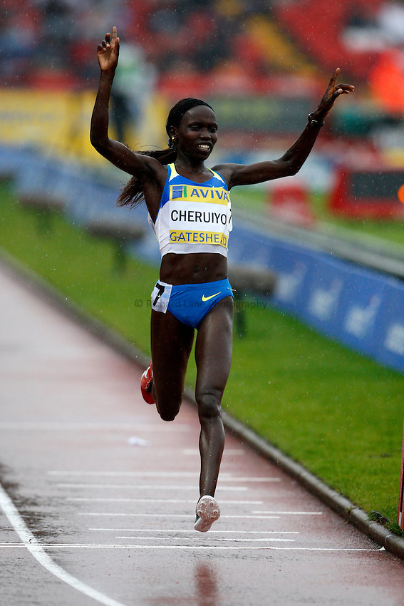 Photo: Richard Lane/Richard Lane Photography. Aviva British Grand Prix, Gateshead. 31/08/2008. Kenya's Vivian Cheruiyot celebrates victory in the women's 3000m.