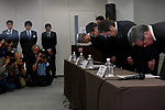 Akira Takeuchi (second from right) president of Mitsubishi Materials Corp. with other colleagues bow during a news conference on November 24, 2017, Tokyo, Japan. Takeuchi answered questions from reporters after the company admitted that three of its subsidiaries (Mitsubishi Cable Industries Ltd., Mitsubishi Shindoh Co. and Mitsubishi Aluminum Co.) had falsified specification data for products supplied to the aerospace, automotive, electric power and defense industries. (Photo by Rodrigo Reyes Marin/AFLO)