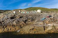 France, Bretagne, (29), Finistère, Cap Sizun, Plogoff: Port abri de  Pors-Loubous //  France, Brittany, Car Sizun, Plogoff