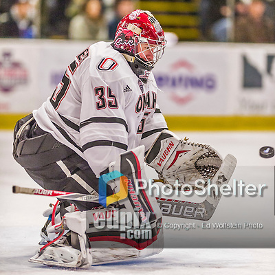 17 October 2015: University of Nebraska Omaha Maverick Goaltender Evan Weninger, a Freshman from Saskatoon, Saskatchewan, makes a second period save against the University of Vermont Catamounts at Gutterson Fieldhouse in Burlington, Vermont. The Mavericks defeated the Catamounts 3-1 in the second game of their weekend series. Mandatory Credit: Ed Wolfstein Photo *** RAW (NEF) Image File Available ***