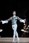 RAYMONDA..Choregraphie : PETIPA Marius,NOUREEV Rudolf.Compagnie : Ballet de l Opera National de Paris.Orchestre : Colone.Decor : GEORGIADIS Nicholas.Lumiere : PEYRAT Serge.Costumes : GEORGIADIS Nicholas.Avec :.MARTINEZ:Jose:Jean de Brienne.Lieu : Opera Garnier.Ville : Paris.Le : 30 11 2008.© Laurent PAILLIER / photosdedanse.com