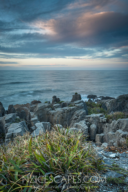 Sunrise over pancake rocks in Punakaiki, Paparoa National Park, West Coast,  Buller Region, New Zealand, NZ