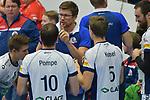 02.12.2017,  Hamburg GER, VBL, SVG Lueneburg vs United Volleys Rhein-Main  im Bild Trainer Stefan Huebner (Hübner Lueneburg) redet mit der Mannschaft/ Foto © nordphoto / Witke