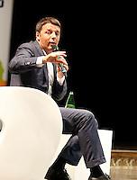 Repubblica delle idee Napoli<br /> nella foto Mauro incontra Matteo Renzi<br /> foto ciro de luca