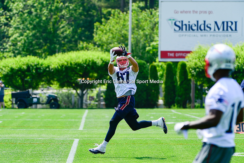 June 13, 2017: New England Patriots tight end Rob Gronkowski (87) makes a catch at the New England Patriots organized team activity held on the practice field at Gillette Stadium, in Foxborough, Massachusetts. Eric Canha/CSM
