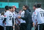 AMSTELVEEN - teamhuddle, huddle, coach Xanti Freixa (Adam)  tijdens de hoofdklasse competitiewedstrijd mannen, Amsterdam-HCKC (1-0).  COPYRIGHT KOEN SUYK
