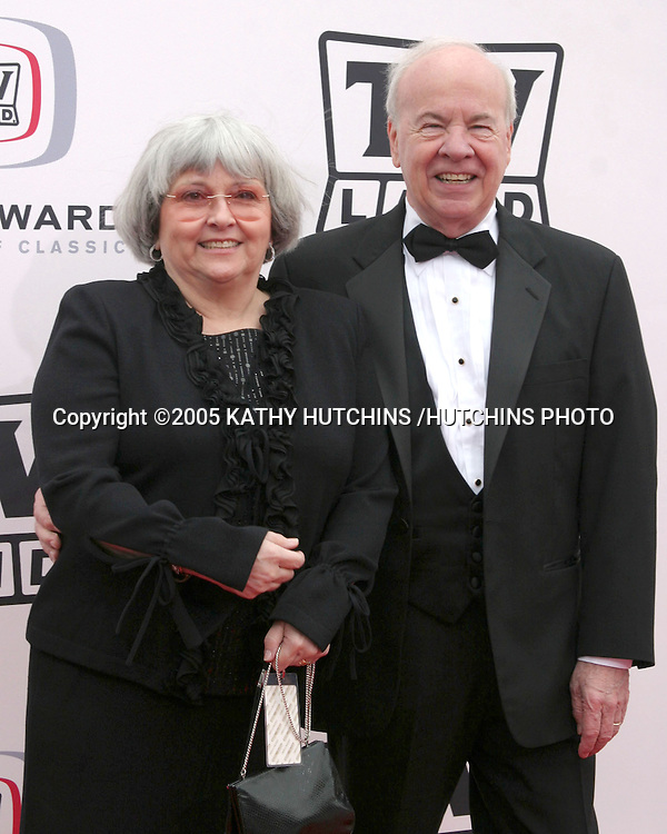 TIM CONWAY AND WIFE.3RD ANNUAL TV LAND AWARDS.SANTA MONICA, CA.MARCH 13, 2005.©2005 KATHY HUTCHINS /HUTCHINS PHOTO...
