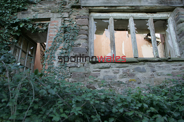 Celtic Manor Resort.Derelict house overlooking the 18th green on the Ryder Cup Course.09.11.06.©Steve Pope.Steve Pope Photography.The Manor .Coldra Woods.Newport.South Wales.NP18 1HQ.07798 830089.01633 410450.steve@sportingwales.com
