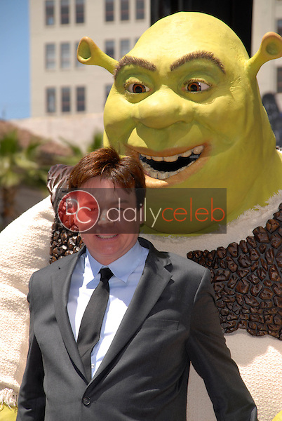 Mike Myers<br /> at the induction of Shrek into the Hollywood Walk of Fame, Hollywood, CA. 05-20-10<br /> David Edwards/DailyCeleb.Com 818-249-4998