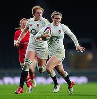 Danielle Waterman of England goes on the attack. Old Mutual Wealth Series International match between England Women and Canada Women on November 26, 2016 at Twickenham Stadium in London, England. Photo by: Patrick Khachfe / Onside Images
